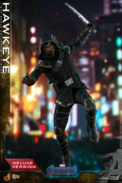 hot toys avengers endgame hawkeye -leaping with sword