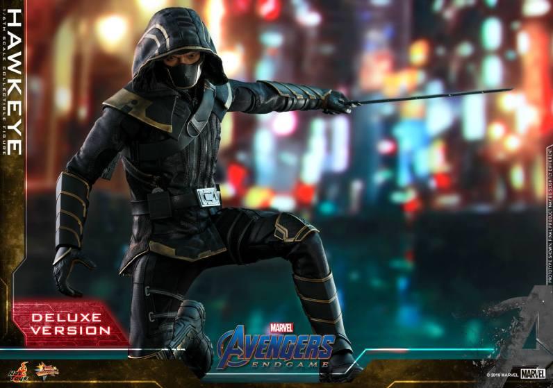 hot toys avengers endgame hawkeye - slicing sword