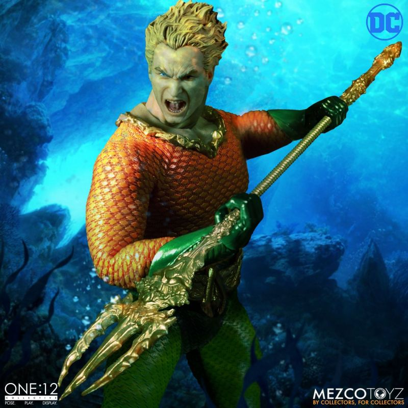 mezco one 12 aquaman figure -attacking with trident