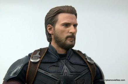 Hot Toys Avengers Infinity War Captain America figure review - beard detail
