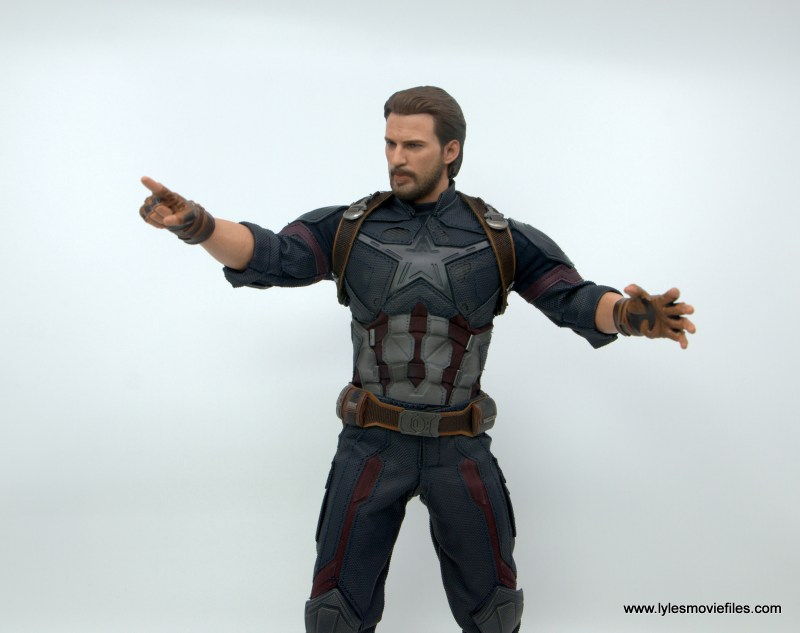 Hot Toys Avengers Infinity War Captain America figure review -pointing hand