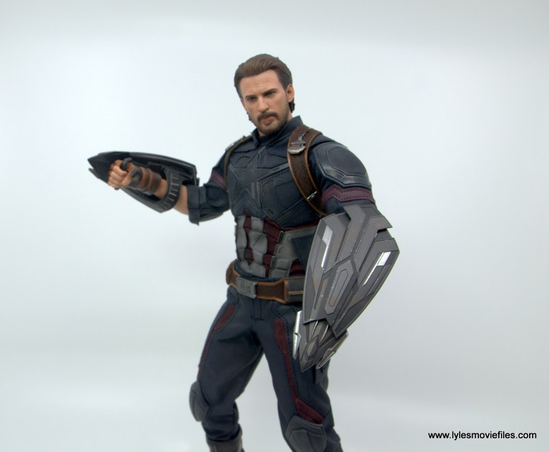 Hot Toys Avengers Infinity War Captain America figure review - ready for action