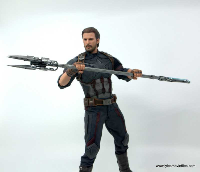 Hot Toys Avengers Infinity War Captain America figure review - ready with the spear
