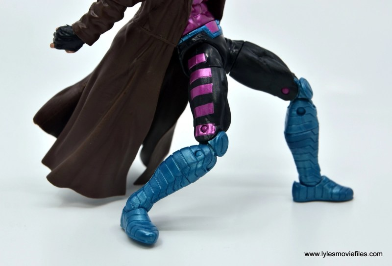 Marvel Legends Gambit figure review -leg and boot detail