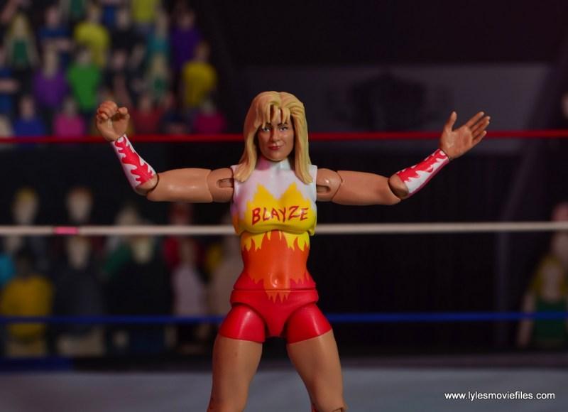 WWE Alundra Blayze figure review - wide shot