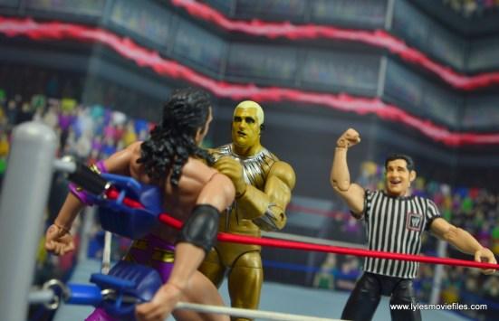 WWE Goldust figure review -getting razor in the corner