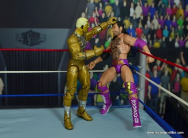 WWE Goldust figure review - playing with razor's head