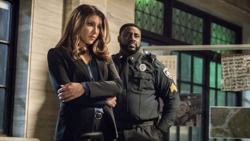 arrow confessions review - dinah and sgt. billingsly