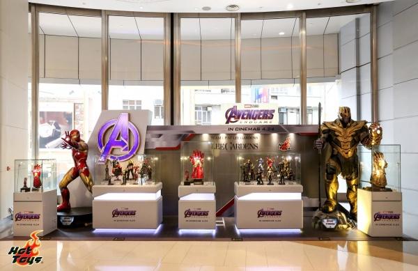 hot toys avengers endgame lee gardens display