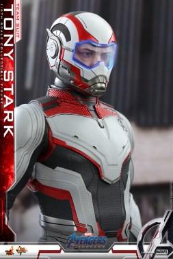 hot toys avengers endgame tony stark team suit -outfit detail
