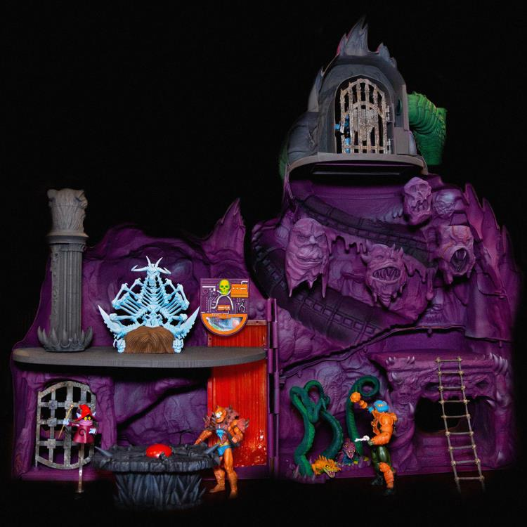 masters of the universe snake mountain playset - rear