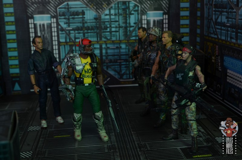 neca aliens sgt apone figure review - sizing up the marines