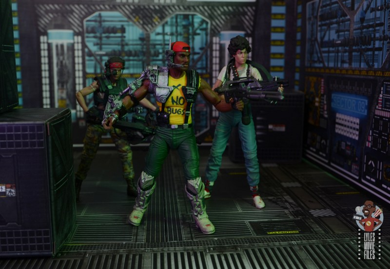 neca aliens sgt apone figure review - with vasquez and ripley