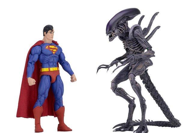 neca sdcc superman vs aliens set - face off