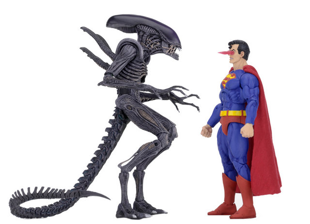 neca sdcc superman vs aliens set - heat vision flaring up