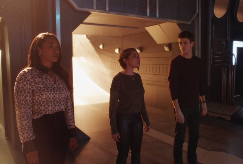 the flash - the girl with the red lightning review - iris, nora and barry