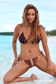 tyra banks sports illustrated 2019 pictorial - sitting