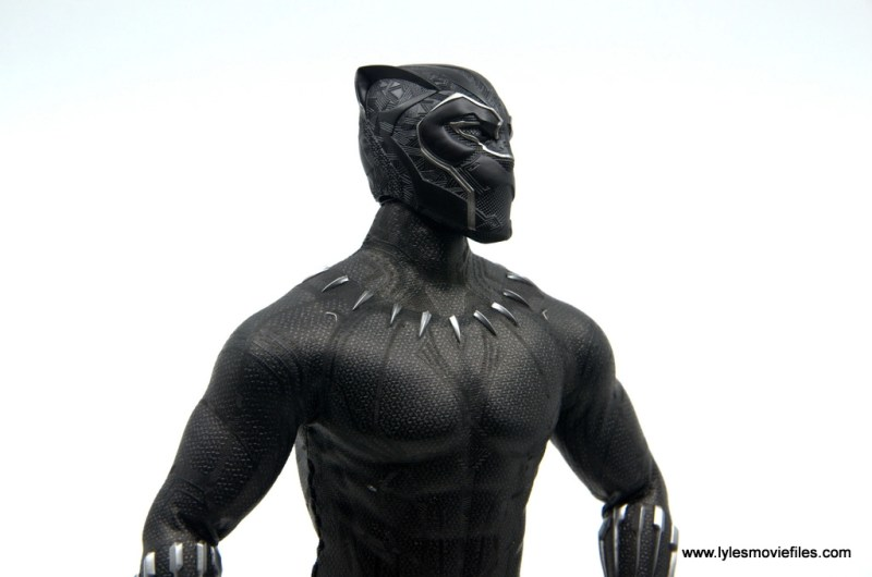Hot Toys Black Panther figure review - helmet detail side