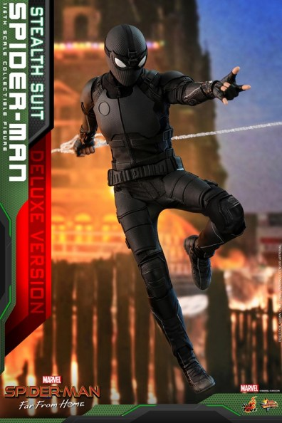 Hot-Toys-Spider-Man-Stealth-Suit-Figure-on-the-move