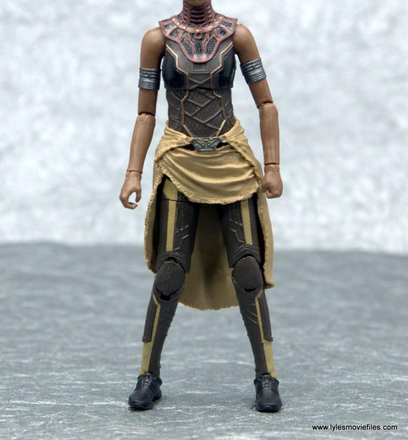Marvel Legends Shuri figure - outfit details