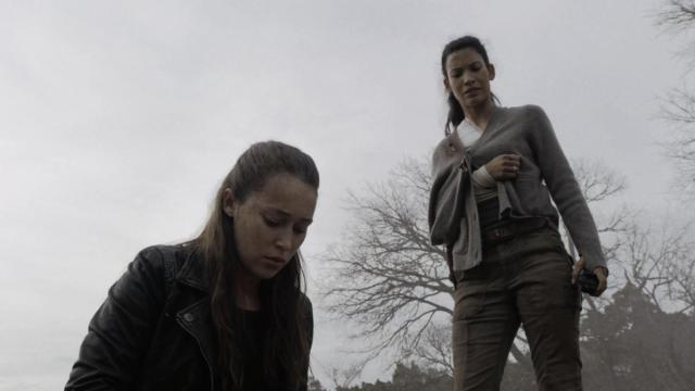 fear the walking dead - humbug's gulch review - alicia and luciana