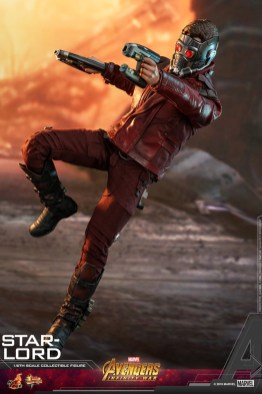 hot toys avengers infinity war star-lord figure -aiming