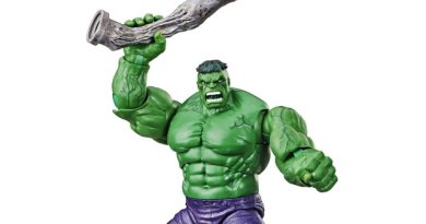Check out the SDCC 2019 Marvel Legends Hulk and LEGO Captain Marvel exclusives