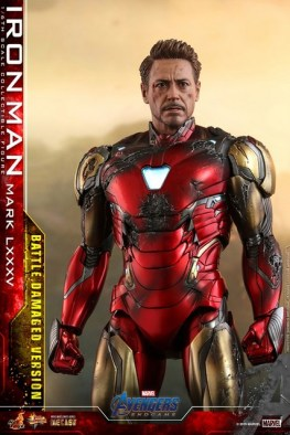 Hot Toys Avengers Endgame Iron Man Mark LXXXV Battle Damaged Figure - armor detail