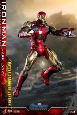 Hot Toys Avengers Endgame Iron Man Mark LXXXV Battle Damaged Figure - flying