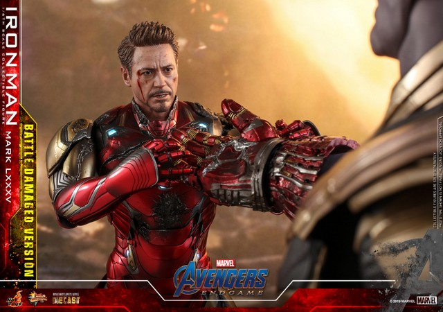 Hot Toys Avengers Endgame Iron Man Mark LXXXV Battle Damaged Figure - thanos with infinity armored gauntlet