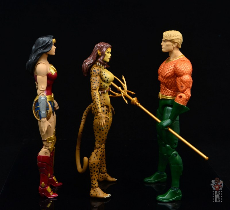 dc essentials cheetah figure review - facing wonder woman and aquaman