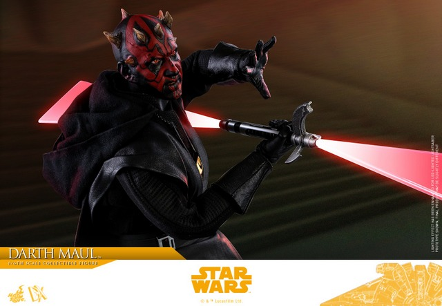 hot toys solo a star wars story darth maul figure - tight shot