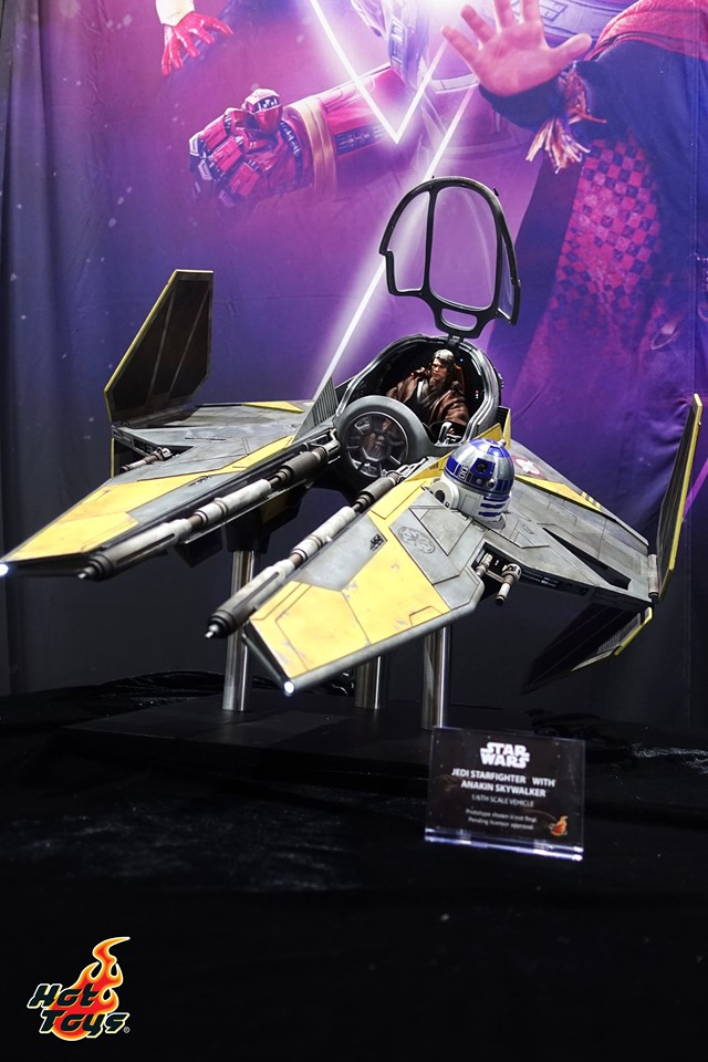 sdcc 2019 hot toys reveals - anakin skywalker starfighter display piece