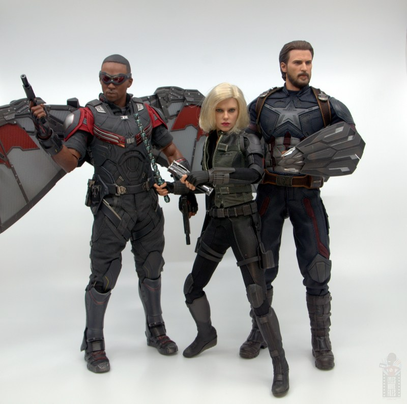 hot toys avengers infinity war black widow figure - battle ready with falcon and captain america
