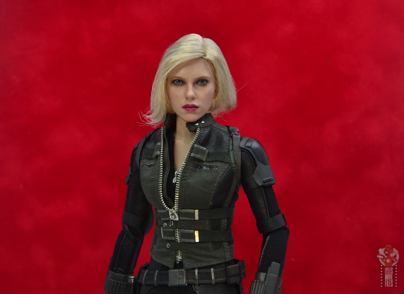 hot toys avengers infinity war black widow figure - hair less tangled