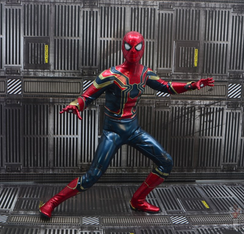 hot toys avengers infinity war iron spider figure review - ready for action