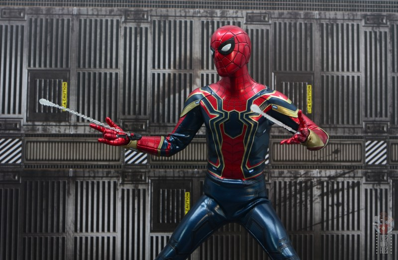 hot toys avengers infinity war iron spider figure review - web shooting