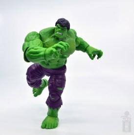 marvel legends hulk vs wolveringe figure review 80th anniversary - hulk running