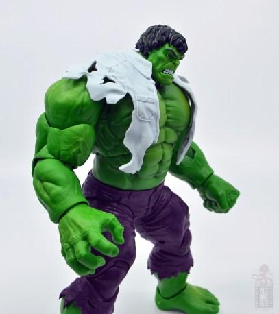 marvel legends hulk vs wolveringe figure review 80th anniversary - hulk with shirt on side detail