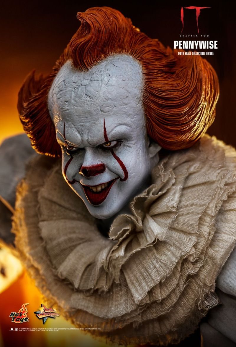 hot Toys it Chapter Two pennywise figure - Pennywise close up