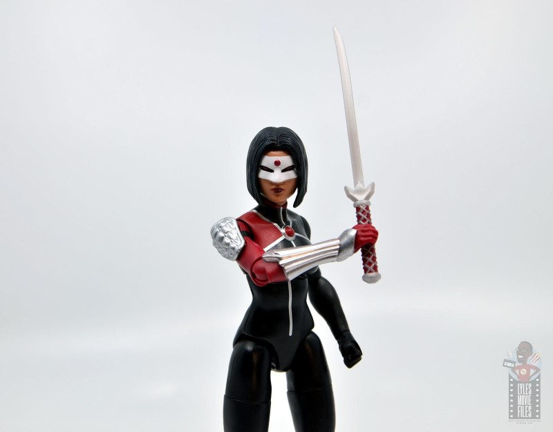dc multiverse katana figure review - lifting sword up