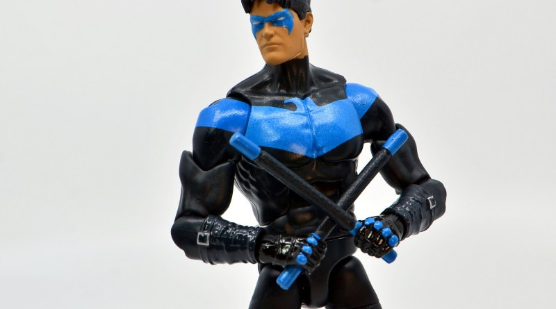 dc multiverse nightwing figure review - main pic
