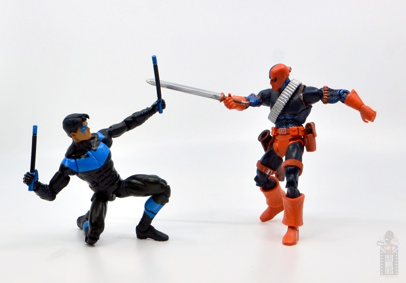 dc multiverse nightwing figure review - vs dc classics deathstroke