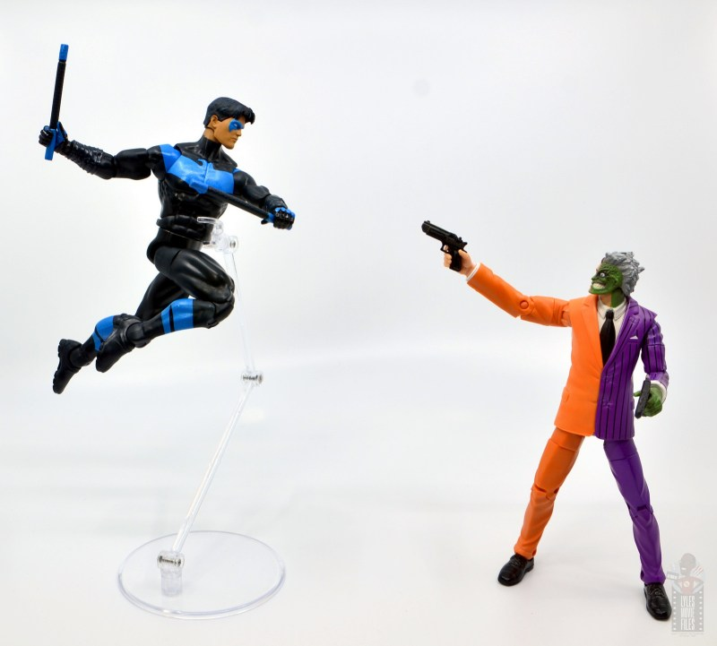 dc multiverse nightwing figure review -vs dc classics two-face