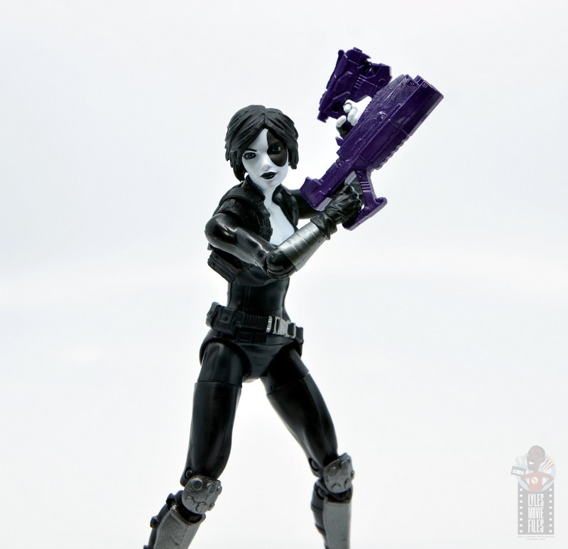 marvel legends domino figure review - gun detail
