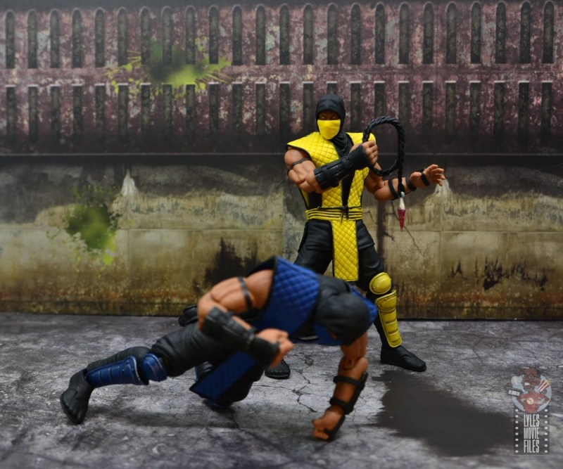 storm collectibles scorpion figure review - reeling grapple hook back in