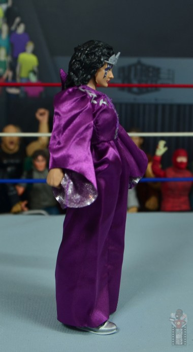 wwe elite sensational sherri figure review - robe right side