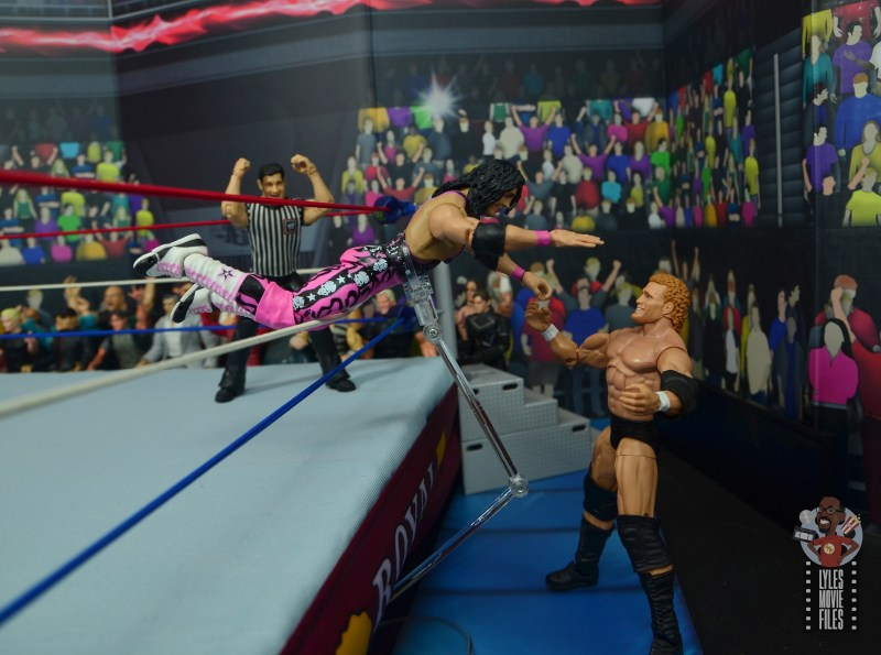 wwe ultimate edition bret hitman hart figure review - tope on sycho sid