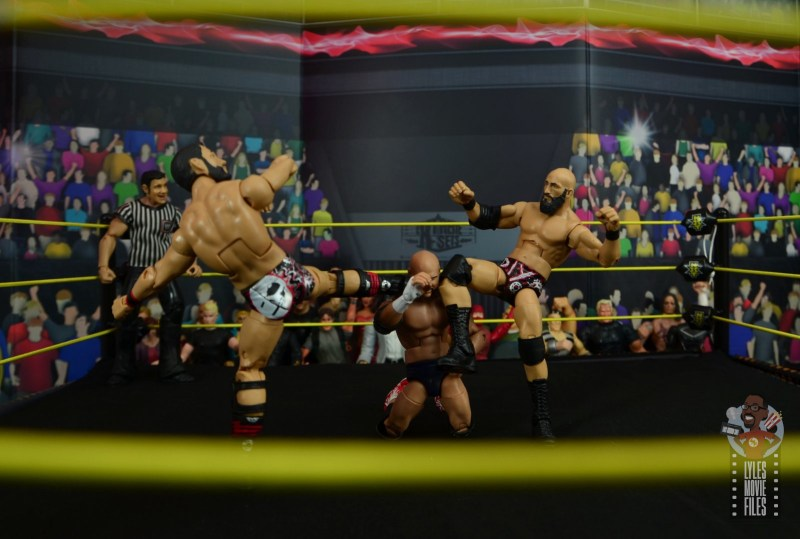 WWE Hall of Champions DIY figure review - meeting in the middle