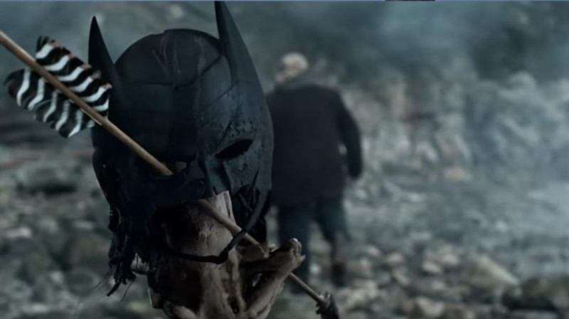 arrow starling city review - batman mask